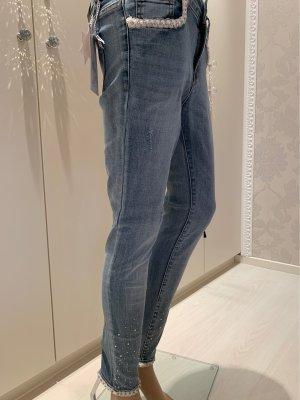Jeans mit spitzen Porte perlen strass Verzierungen gr M neu mit Edikett