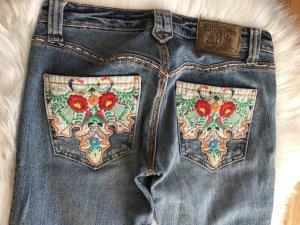 Jeans mit Stickerei 27/34
