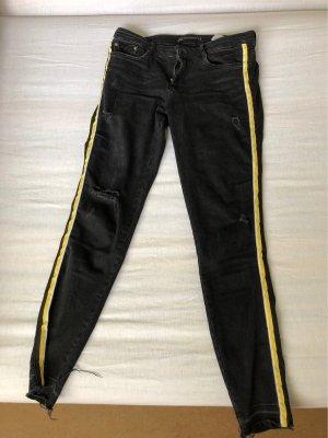 Jeans mit streifen ausgefranzt