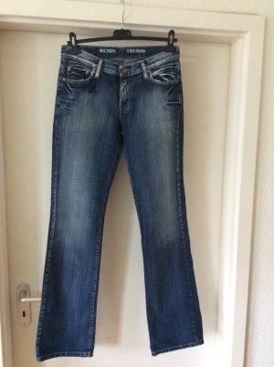 Jeans mit Swarovskisteinen