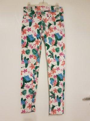 Jeans mit Tropicalprint
