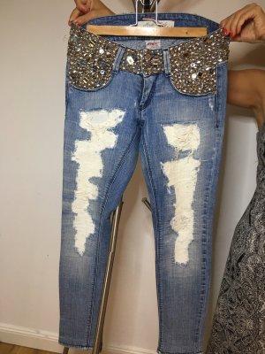 Jeans mit vielen Pailleten