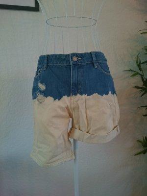 Jeans mit Waschung Hellblau