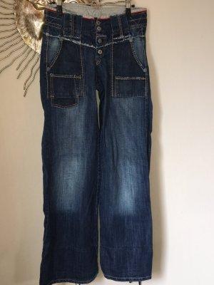 Jeans mit weitem Schlag