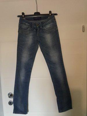 Jeans mittelblau, low Waist Gr. 34