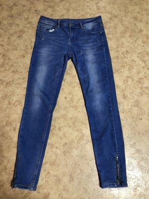 Jeans neuwertig
