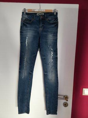 Jeans noisy may