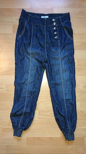 Jeans Pumphose mit seitlicher Knopfleiste
