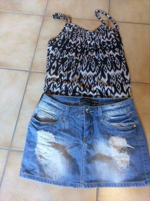 Jeans Rock in der Größe S/M mit Strasssteinen