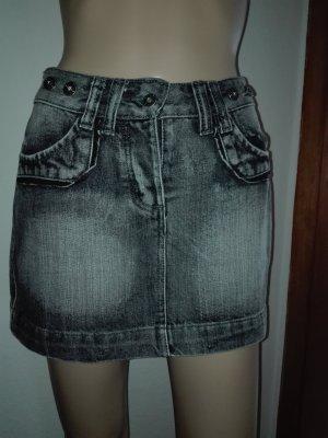 Jeans-Rock - Mini,in grau-weiß Farbe.Schöne Passform