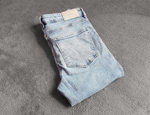 Jeans Röhre Hellblau Skinny Regular Waist H&M Gr. 29/32