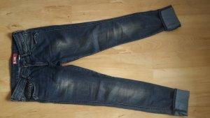 Jeans-Röhren-Hose von H&M in Größe 28