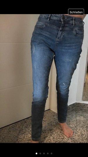 Jeans s. Oliver Gr. 34