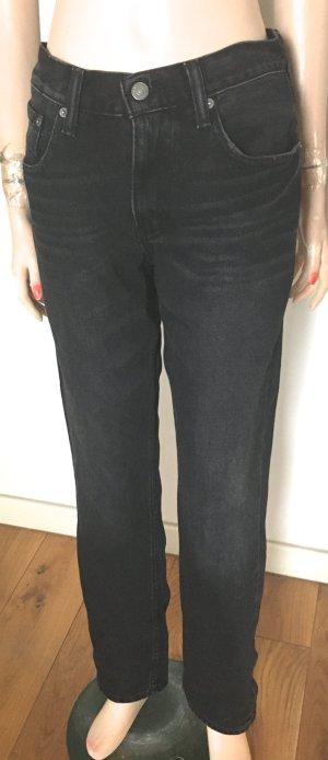 Jeans schwarz dezente Waschung Gr. W31/L32