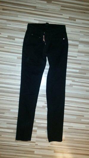 Jeans schwarz. Gr. 36