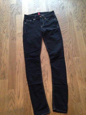 Jeans schwarz Gr. 36