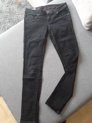 Jeans schwarz Gr 38