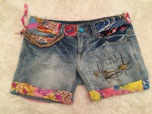 Jeans Short ausgefallen