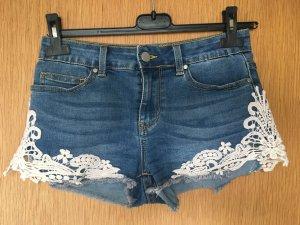 Jeans Short mit Spitze