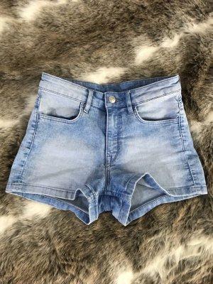 H&M Pantalón corto de tela vaquera azul celeste-azul neón