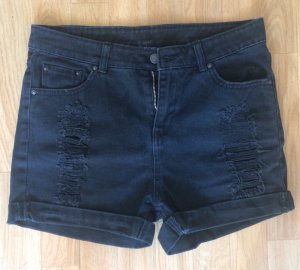 Jeans- Shorts im Used Look