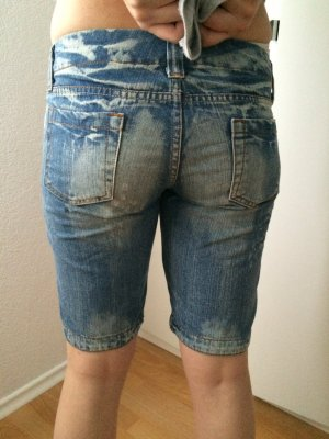 Jeans Shorts mit Glitzersteinen