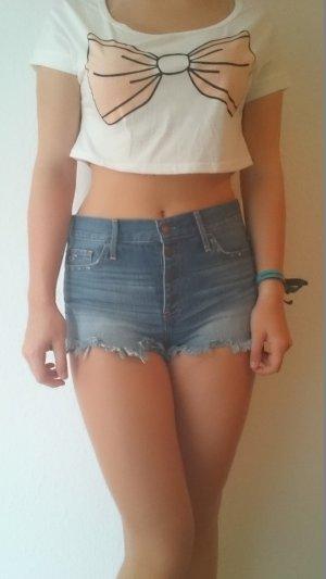 Jeans Shorts mit Knopfleiste