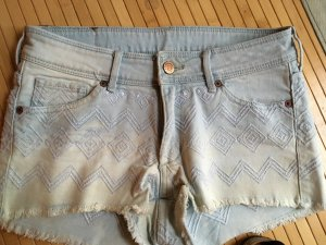 Jeans Shorts mit Stickerei