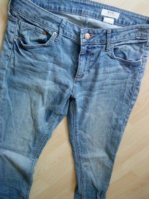 Jeans Slim Leg helle Waschung Größe 30 HM
