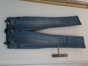 Jeans von Arizona abzugeben