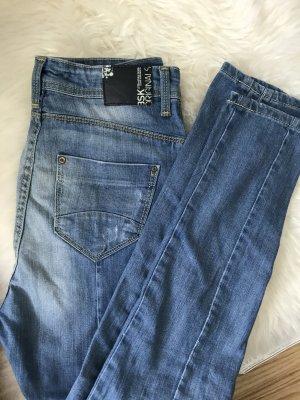 Jeans von Bershka in 32