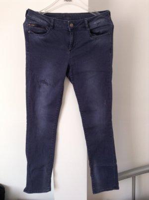 Jeans von ESPRIT mit moderner Waschung