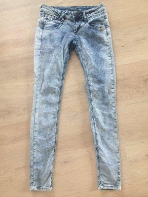 Jeans von Gang - Größe 29 - guter Zustand - Hingucker - super Beine