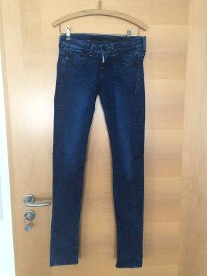 Jeans von Guess neuwertig Gr. 27/34
