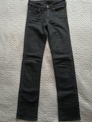 Jeans von H&M Gr. 32 wie neu