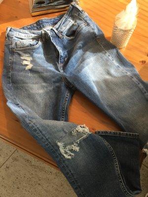 Jeans von h&m mit Löchern
