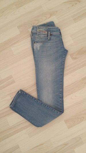 Jeans von Marke Diesel