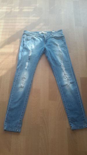 Jeans von zara im destroyed look