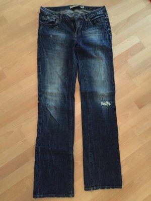 Jeans von Zara mit Löchern