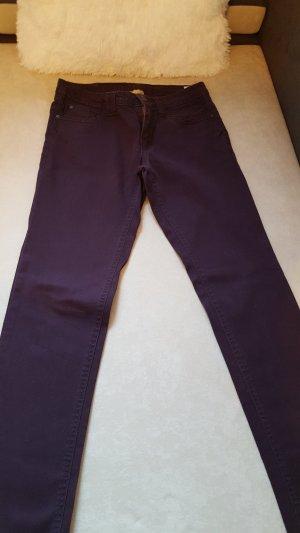 Vaquero skinny violeta oscuro
