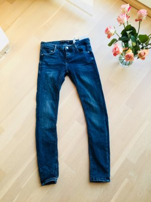 Jeans ZARA fast neu