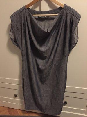 Jeansfarbendes Kleid von Zara
