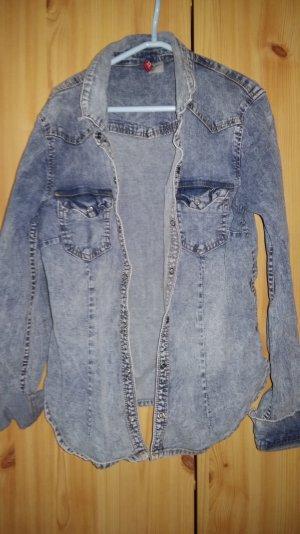 Jeanshemd von H&M mit Druckknöpfen