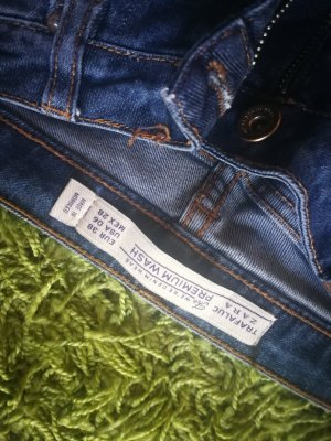 Jeanshose mit Muster