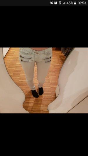 Jeanshose mit Reißverschluss
