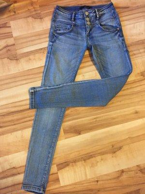 Jeanshose von Tally Weijl in Größe 34