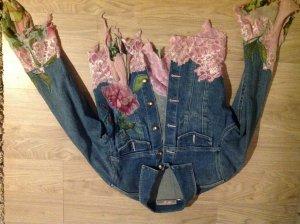 Jeansjacke, auffällig