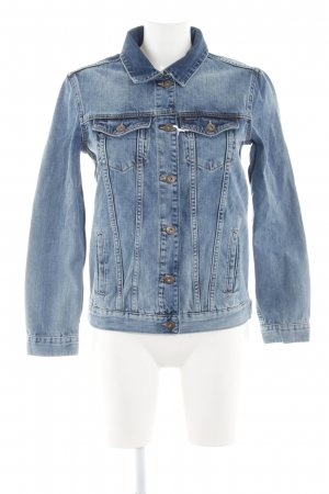 Denim Jacket blue placed print casual look
