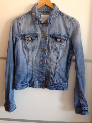Jeansjacke der Marke H&M
