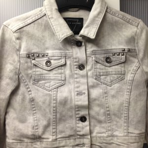 Jeansjacke grau mit Nieten von Seven Sisters